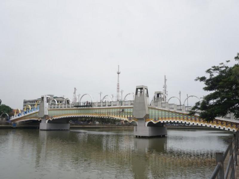 wow-kerennya-jembatan-dadang-suprapto