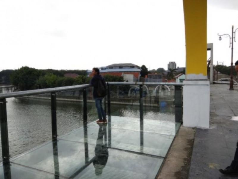 jembatan-kaca-berendeng-spot-swafoto-baru-di-kota-tangerang