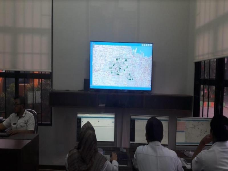 kontrol-kerja-petugas-lapangan-dlh-buat-mini-control-room