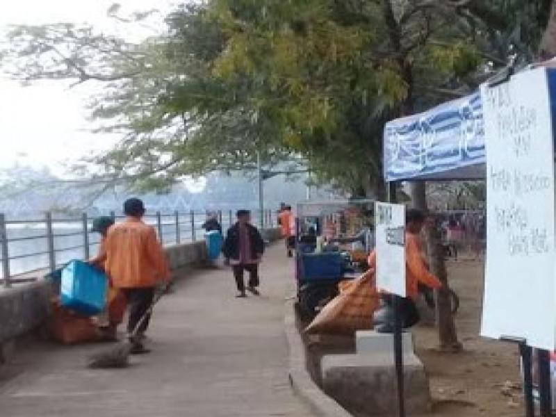20-petugas-kebersihan-dan-100-tong-sampah-disiagakan-di-festival-cisadane
