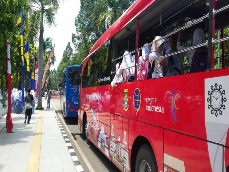 bus-wisata-ajak-kafilah-dan-pengunjung-mtq-keliling-kota