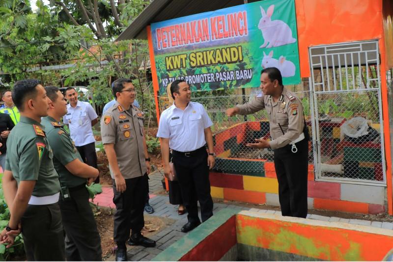 walikota-kampung-talas-sebagai-pelopor-kampung-tertib-lalu-lintas-di-indonesia