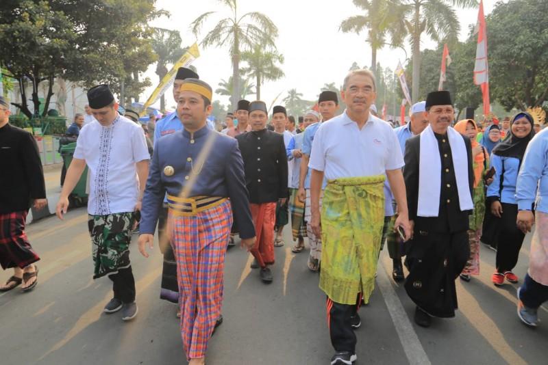 festival-sarungan-nusantara-kota-tangerang-dipuji-malaysia