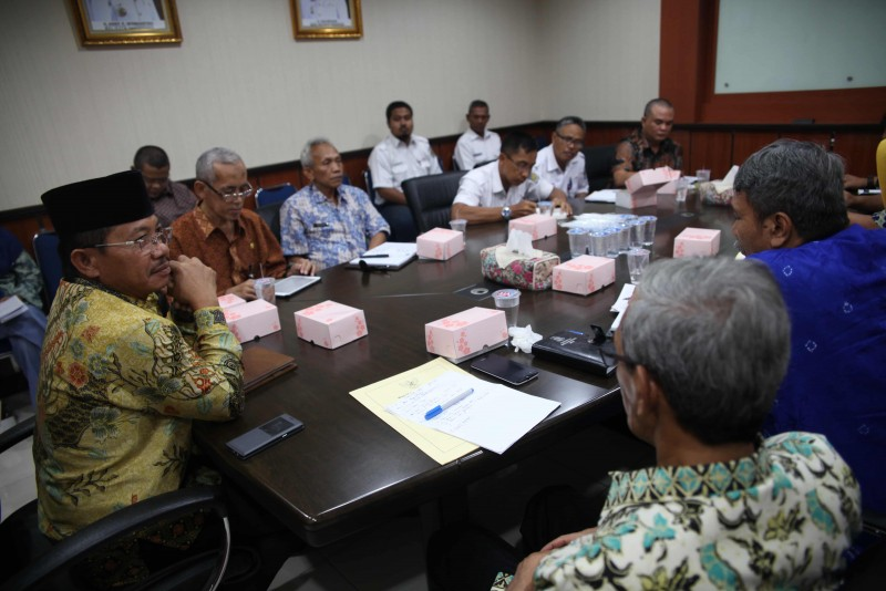 wakil-walikota-pimpin-rapat-penertiban