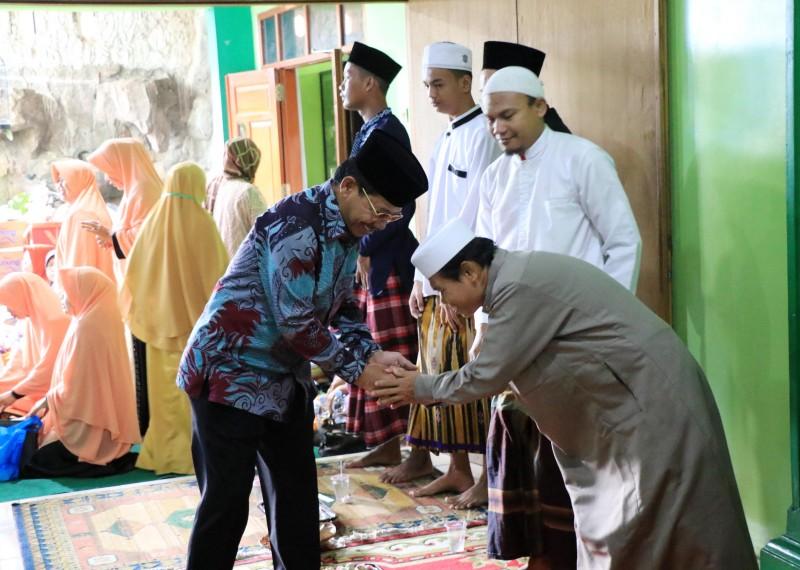 wakil-hadiri-maulid-nabi-dan-haul-alm-kh-buya-tasmuni
