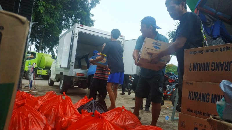 kebutuhan-warga-di-posko-banjir-tercukupi