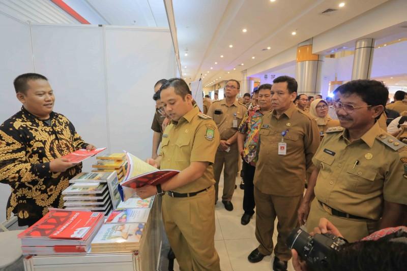 dukung-budaya-literasi-pemkot-gelar-tangerang-book-festival