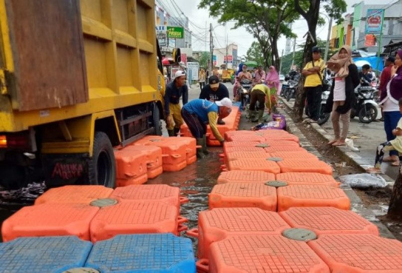 tanggulangi-banjir-periuk-pu-terjunkan-96-personil