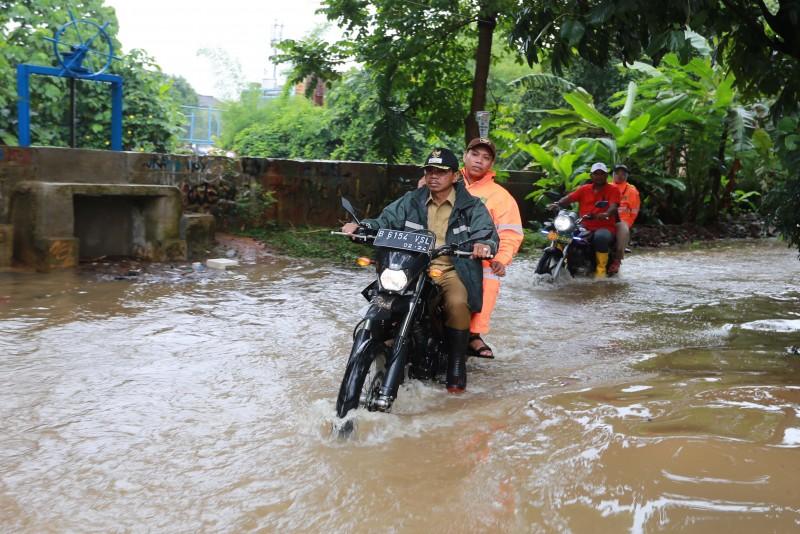 intensitas-curah-hujan-tinggi-wakil-pantau-titik-banjir
