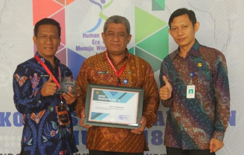 dianggap-berhasil-bangun-sistem-kepegawaian-pemkot-tangerang-raih-bkn-award-2018