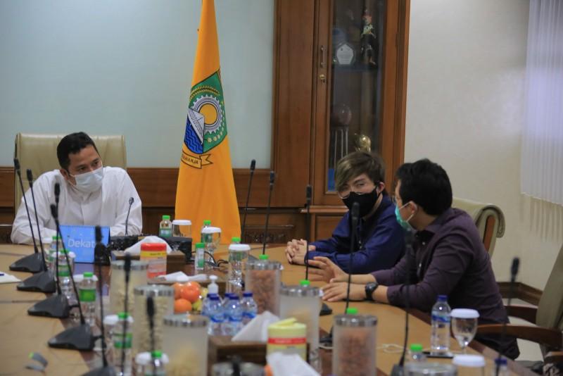diskusi-penanganan-covid-19-dr-tirta-ajak-pemkot-berkolaborasi