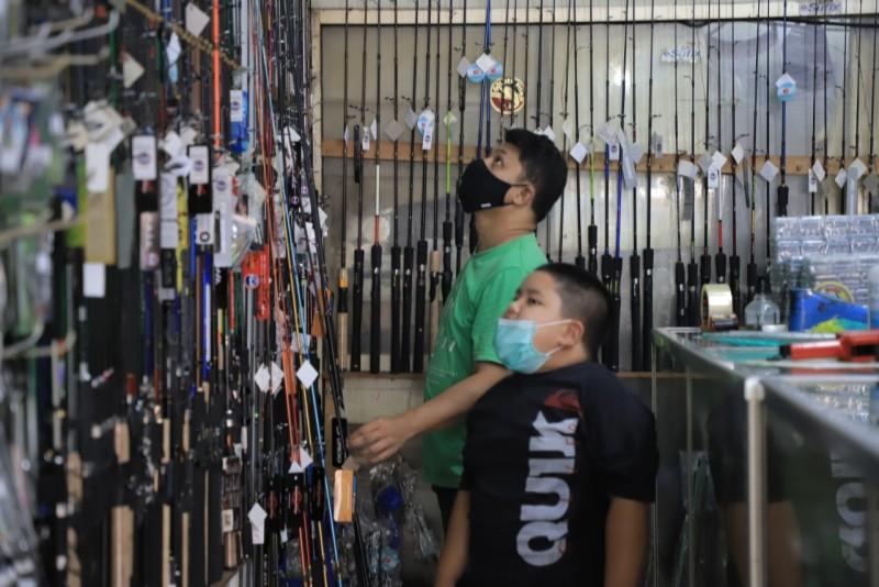 diburu-pemancing-mania-saat-pandemi-omset-toko-alat-pancingan-melesat