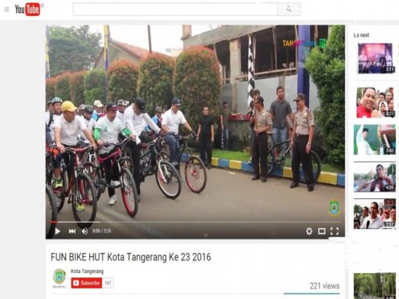 antusias-pengunjung-terhadap-tayangan-video-liputan-tangerangtv