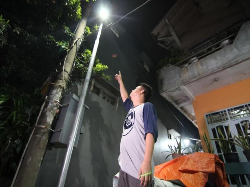 dkp-naikkan-daya-watt-lampu-kampung-terang