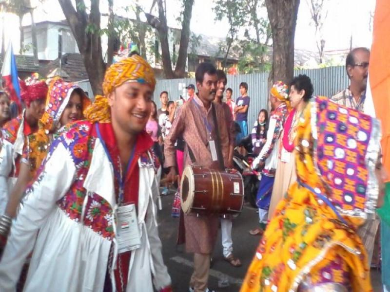 meriahnya-parade-budaya-tangerang-international-folklore-festival-2016