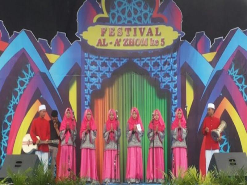 pertunjukan-nasyid-dalam-memeriahkan-festival-al-azhom