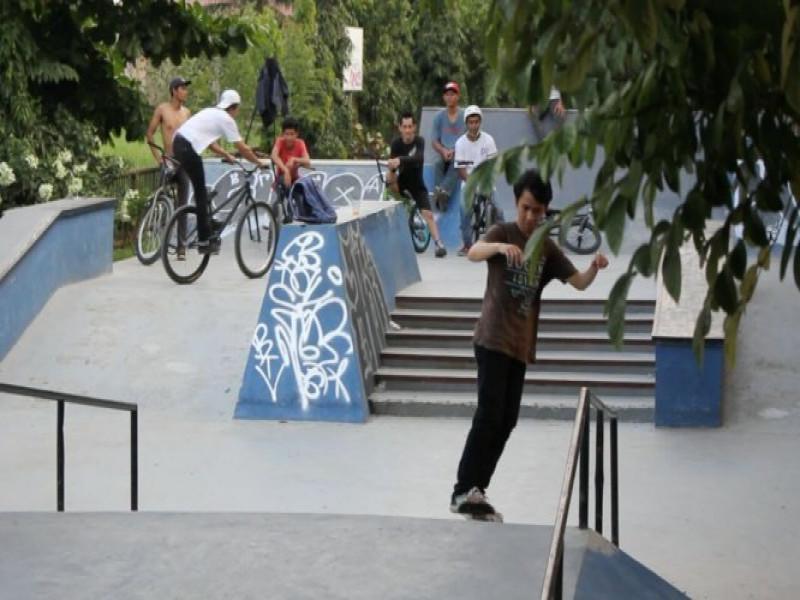 skaters-kembangkan-skil-di-skate-park