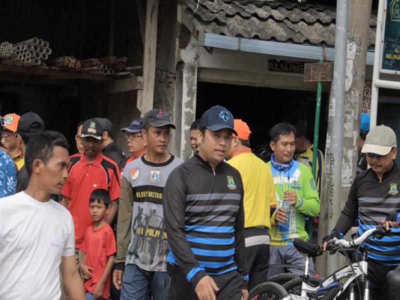 walikota-gowes-tengok-kampung-phbs-kelurahan-benda