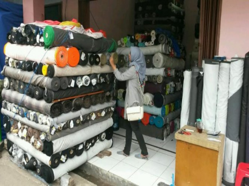 yuukkbelanja-kain-di-kampung-tekstil-cipadu