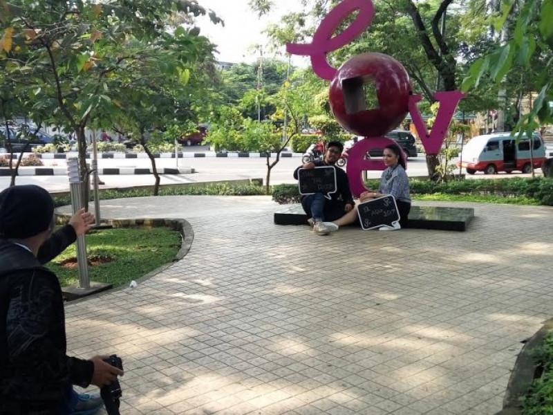 foto-prewedding-di-taman-kota-tangerang-gratis