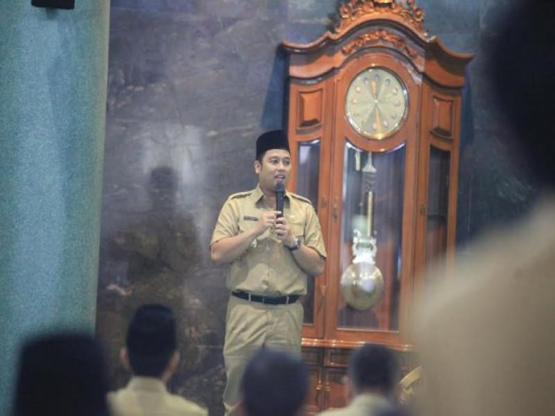 melihat-kegiatan-pegawai-kota-tangerang-di-hari-pertama-kerja-di-bulan-ramadhan
