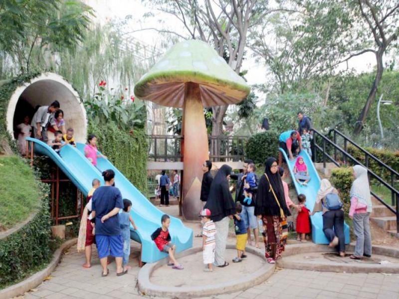 taman-tematik-jadi-destinasi-favorit-warga-saat-libur-lebaran