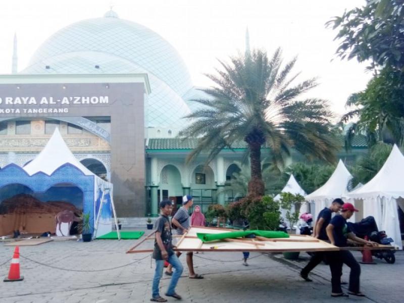 festival-al-azhom-dimeriahkan-pasar-rakyat
