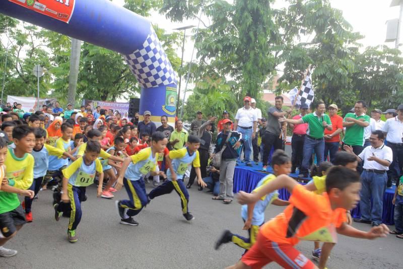 ribuan-peserta-ikuti-lomba-lari-maraton-tangerang-10k