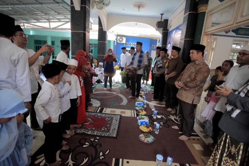 walikota-ayo-sholat-berjamaah-di-masjid