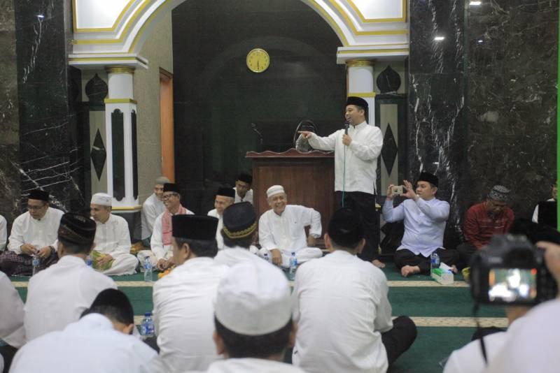 sosialisasikan-program-sholat-jamaah-di-masjid-wali-kota-roadshow-ke-ciledug