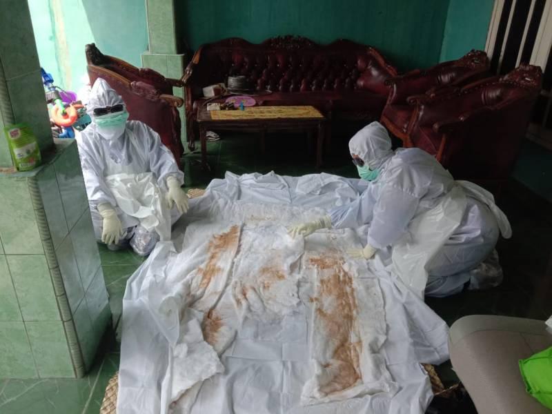 IMG-ditemukan-tewas-di-situ-cipondoh-pemakaman-gunakan-protokol-kesehatan
