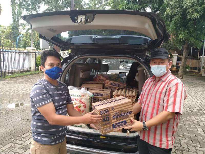 posko-banjir-mui-kota-tangerang-mulai-distribusikan-bantuan